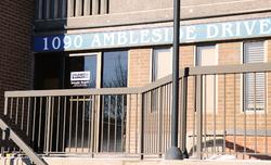 1090 Ambleside Dr, Ottawa, ON K2B 8G7